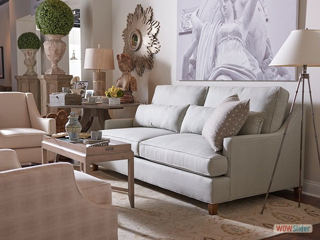 white-couch-setting-4562-640